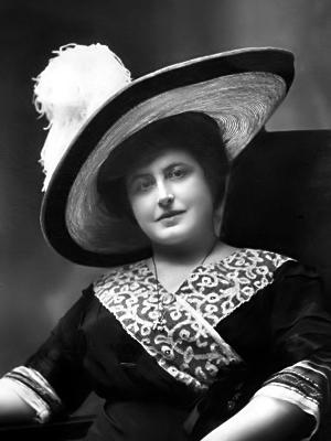 Sfinge (alias Eugenia Codronchi Argeli)
