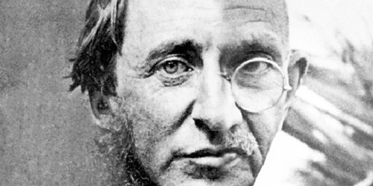 Henry David Thoreau / Mohandas Karamchand Gandhi